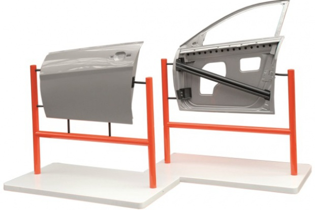 ArcelorMittal pokazuje lekkie drzwi do samochodu