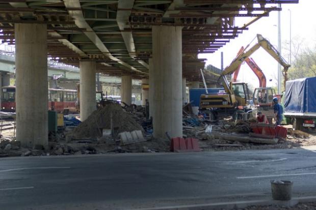 Budowa dróg staje się problemem politycznym, a nie gospodarczym
