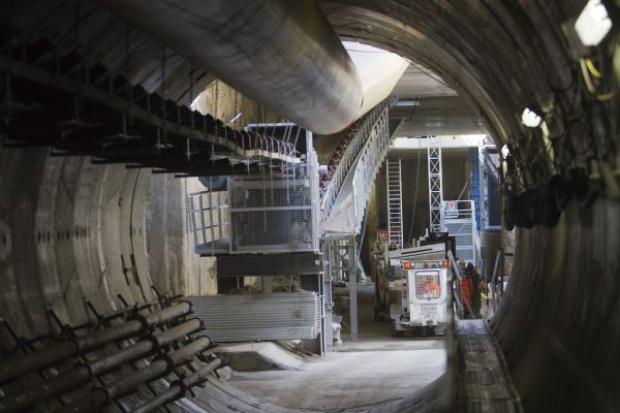 Rozpoczęto drążenie tunelu metra pod dnem Wisły
