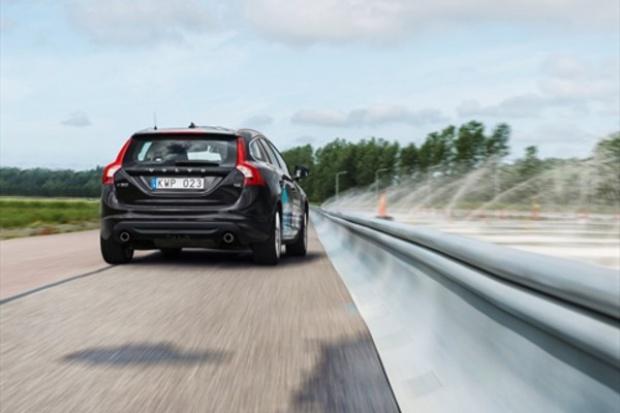 Nowy XC90 zyska system rozpoznający krawędzie drogi