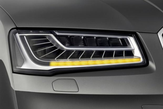 Kierunkowskazy po nowemu w Audi A8
