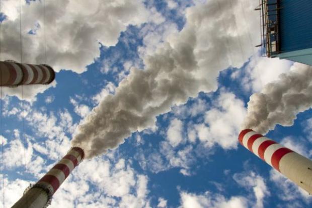 Duży spadek cen uprawnień do emisji CO2