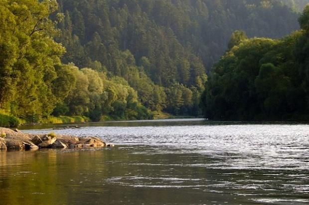 Protest ws. małych elektrowni wodnych na Dunajcu