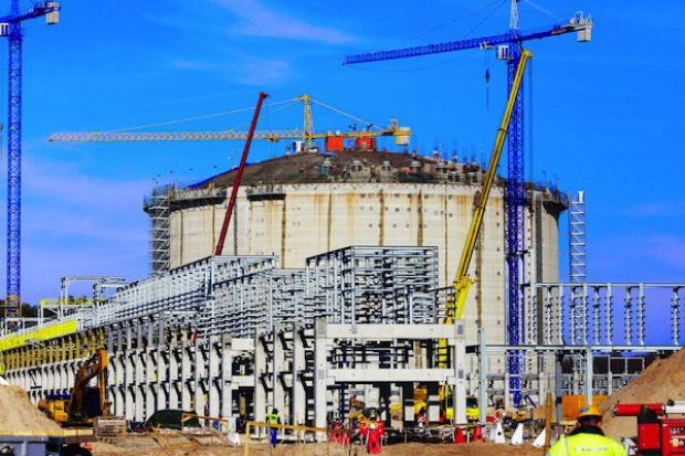 """Terminal LNG w Świnoujściu: opóźnienie rok czy """"tylko pół""""?"""