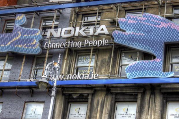 Microsoft przejmie część zakładów Nokii