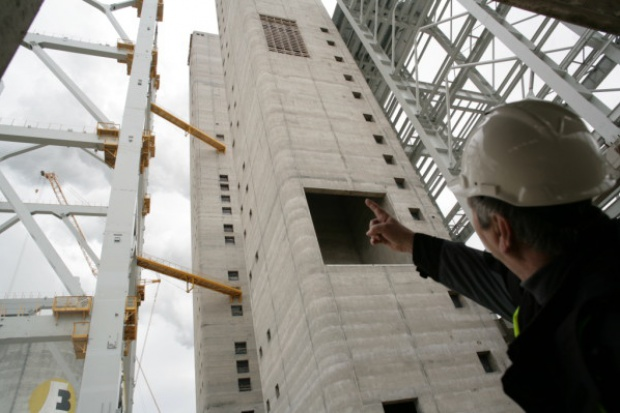 Grupy energetyczne są zakładnikiem firm wykonawczych?