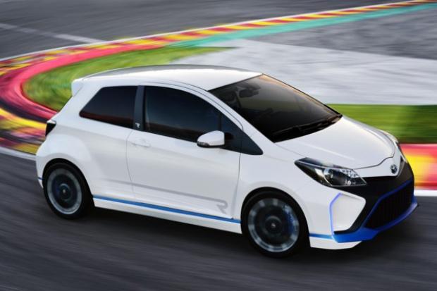 Yaris Hybrid-R: mała Toyota na sportowo