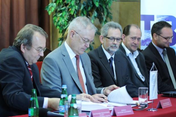 IBM coraz silniejsze w Katowicach