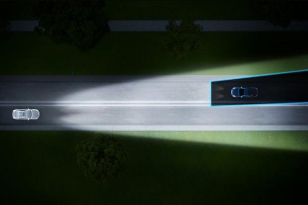Volvo organizuje nocne jazdy testowe