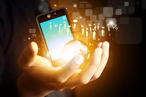 Informatyka i telekomunikacja - wojna na łączach