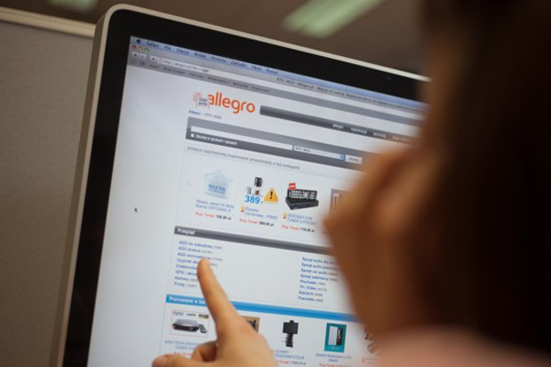 E-commerce rośnie w Polsce szybciej niż cały sektor handlu