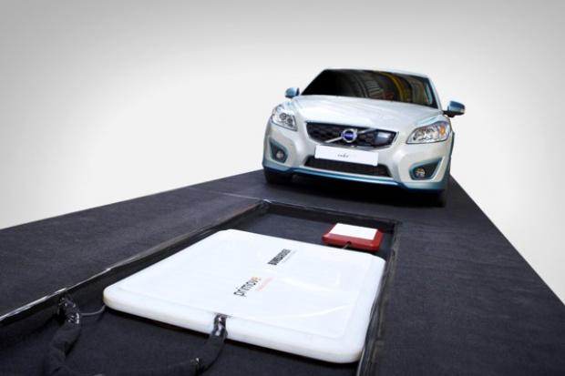 Volvo testuje bezprzewodowe ładowanie e-samochodów