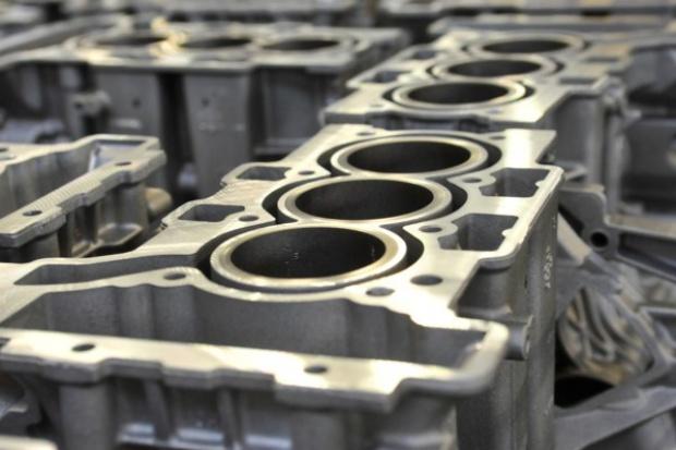 PSA Peugeot Citroen uruchamia linię produkcyjną  nowego silnika