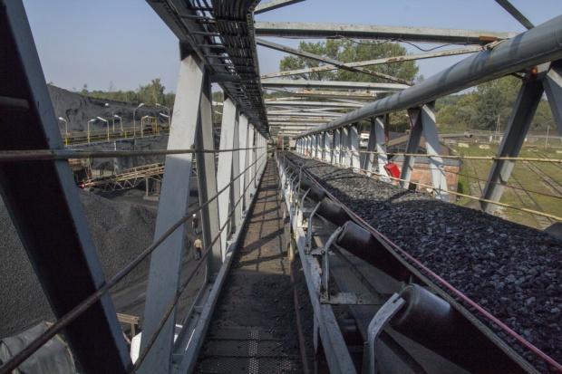 Pokazano różne scenariusze dla węgla