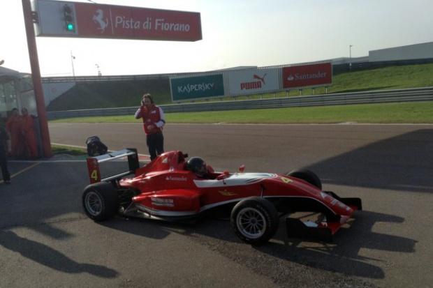 Polak w ośrodku szkoleniowym Ferrari