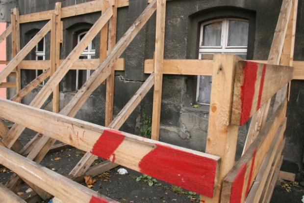 KW: 1,8 mln zł na naprawę szkód górniczych w Piekarach Śląskich