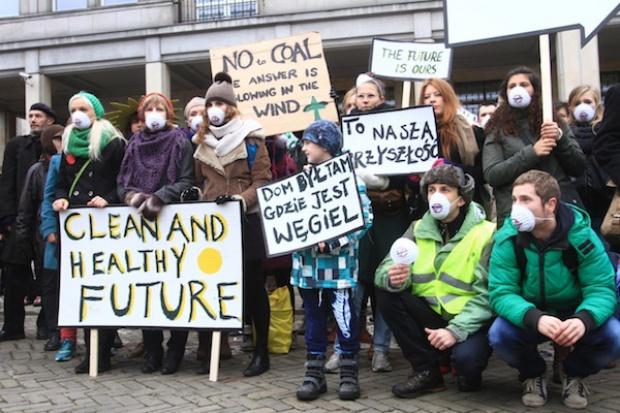 Greenpeace na dachu Ministerstwa Gospodarki przeciw węglowi