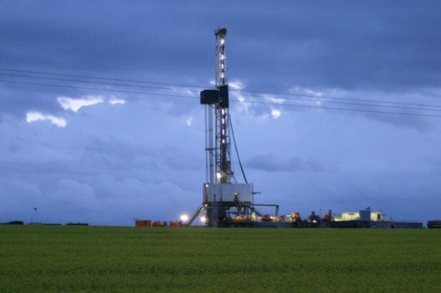 Brytyjski bank może wejść w poszukiwania gazu łupkowego
