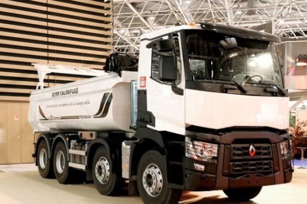 W nowej gamie Renault Trucks skrócono czas montażu zabudowy