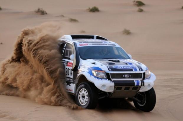 Ford sprawdzi się podczas Dakaru