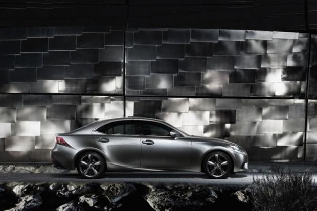 Lexus zakończył rok na solidnym plusie