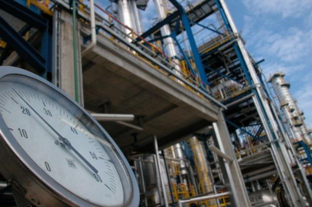 Rekordowy przerób rosyjskich rafinerii