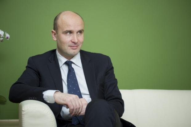 M. Korolec, MŚ: derogacje CO2 dla energetyki to kompromitacja KE