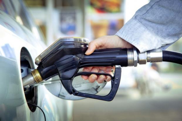 Minimalny ruch w cenach paliw