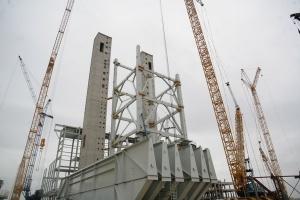 Ile konstrukcji stalowych potrzeba na nowe bloki i sieci?