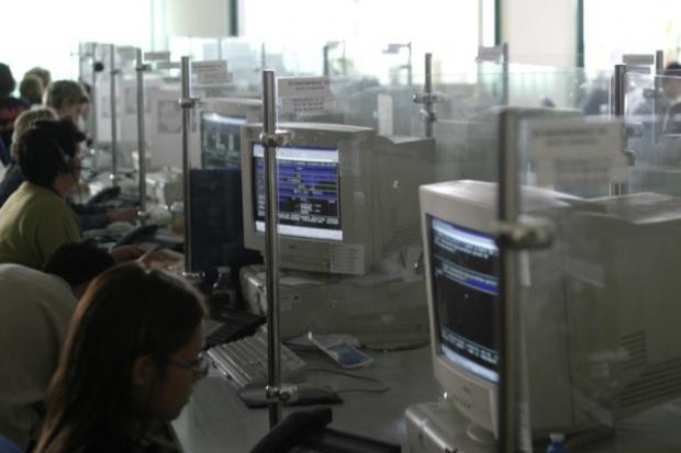 Sektor publiczny powstrzymuje spadki sprzedaży komputerów stacjonarnych