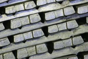 Branża metali nieżelaznych broni się przed oszustami