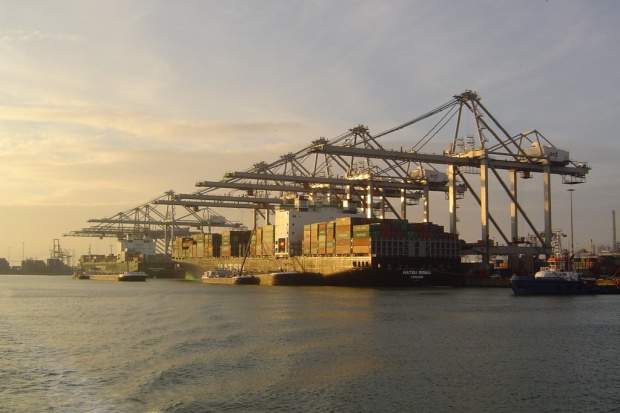 Port Rotterdam umacnia się na pozycji lidera w Europie