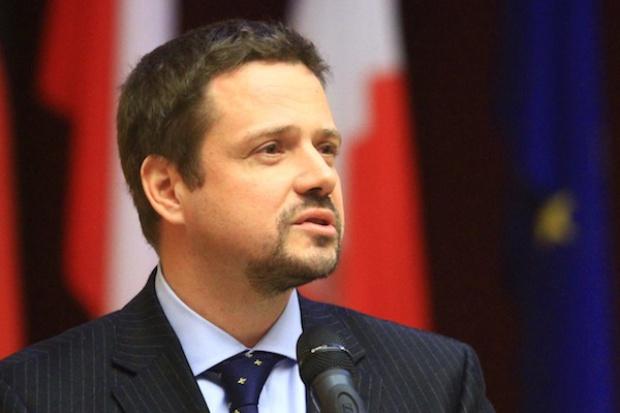 Minister administracji i cyfryzacji: więcej swobody w sieci