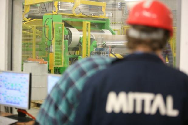 Pikieta w ArcelorMittal; związkowcy chcą podwyżek płac