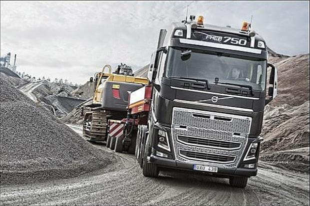 Najmocniejsza seryjna ciężarówka wjeżdża na rynek