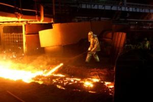Perspektywa poprawy popytu na metale podnosi ceny rud
