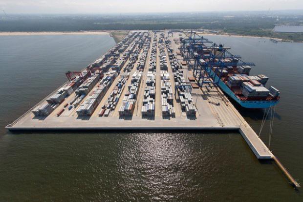 Siedmiu chce budować dla DCT nowe nabrzeże w Porcie Gdańsk