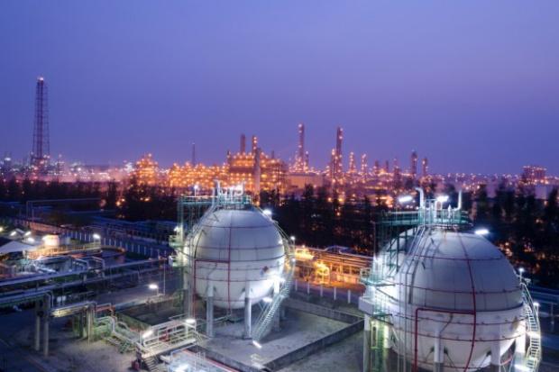 Sejm przyjął ustawę o zapasach ropy i paliw płynnych