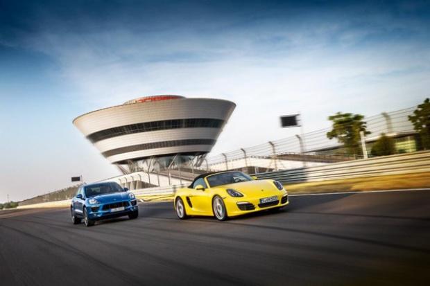 Porsche zwiększa sprzedaż, zysk i zatrudnienie