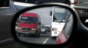 KE chce ograniczenia emisji CO2 przez ciężarówki i autobusy