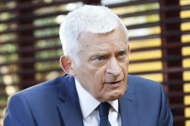 Buzek: większość parlamentarna jest w stanie obronić wartości UE