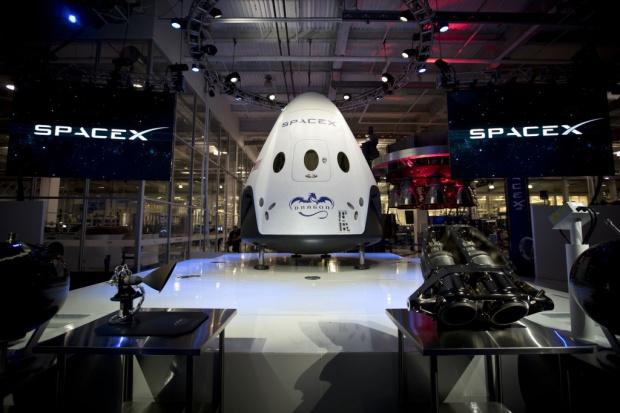 SpaceX zaprezentowała pojazd do transportu astronautów