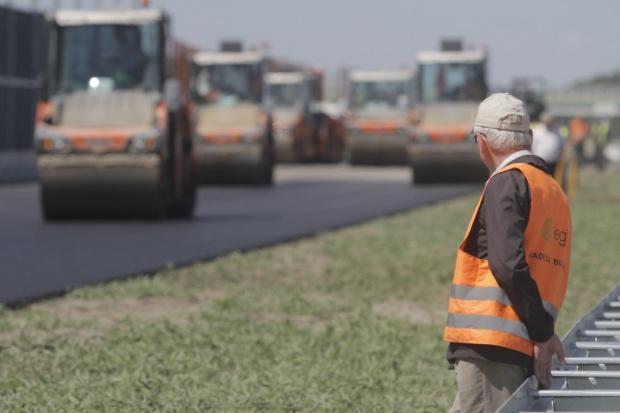 Specustawa drogowa znowelizowana; GDDKiA będzie płacić za upadłości