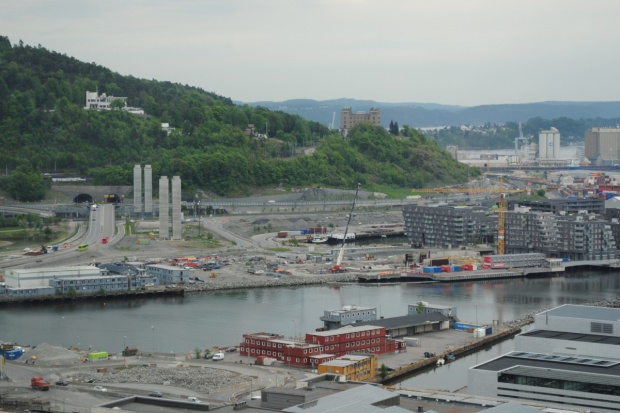 Norwegia kontraktami budowlanymi pachnąca