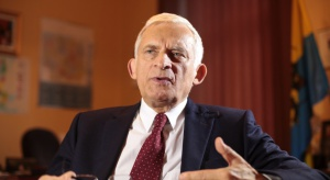 Buzek: reindustrializacja poprzez innowacje