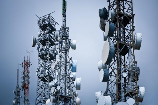 Jakie są najnowsze trendy IT w zarządzaniu rozległą infrastrukturą sieciową?