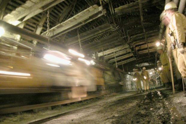 Zagrożone miejsca pracy w firmach budownictwa górniczego