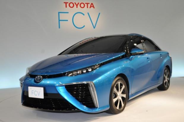 Toyota pokazała produkcyjną wersję auta na ogniwa paliwowe