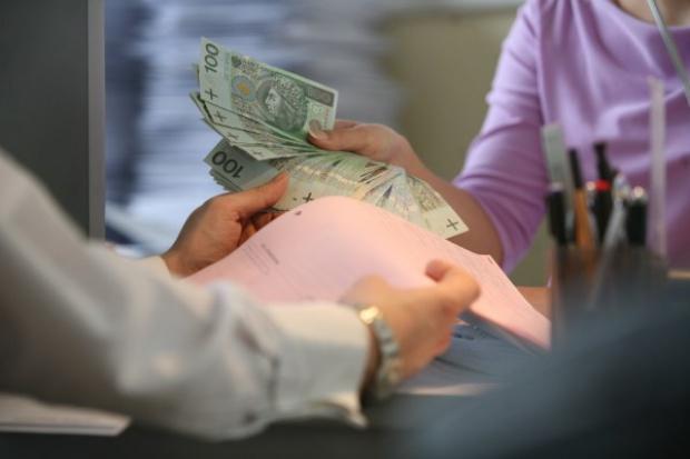 Firmy nie stosują ustawy zmniejszającej zatory płatnicze