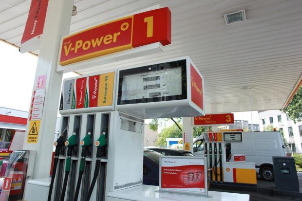 Rośnie sprzedaż paliw premium